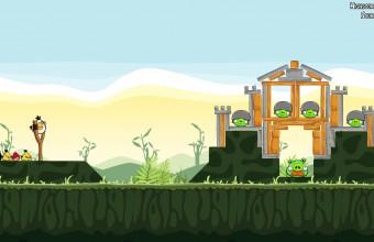"""Spillutviklerne i Rovio lagde over 50 spill før de """"traff blink"""" med Angry Birds."""